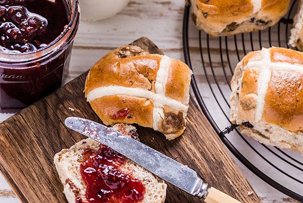 Healthy Hot Cross Easter Buns